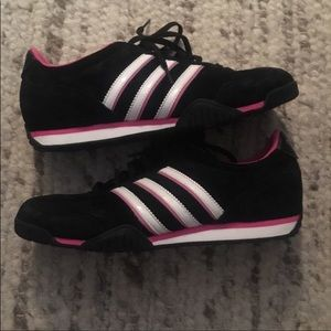 Practically brand new suede Adidas
